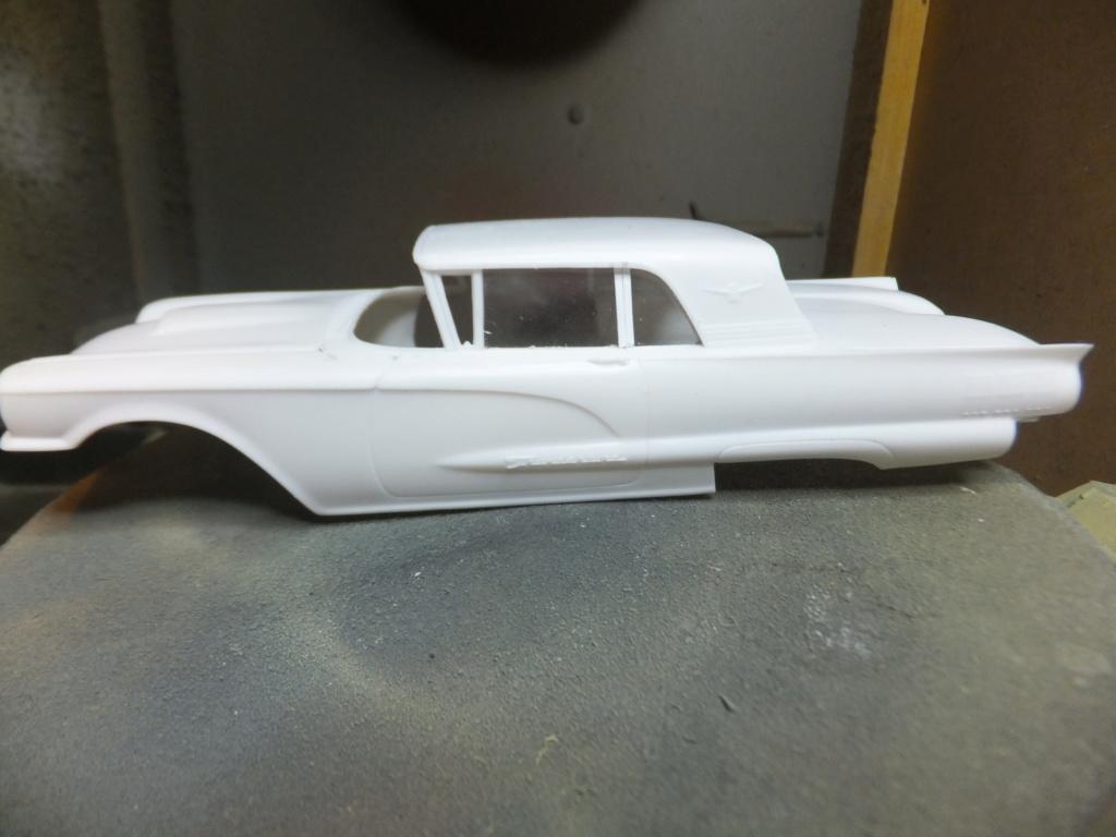 Défi montage maquette : AMT réf. 1135 1960 Ford Thunderbird 1/32 *** Terminé en pg 4 Dscf7332