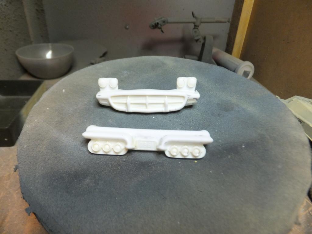 Défi montage maquette : AMT réf. 1135 1960 Ford Thunderbird 1/32 *** Terminé en pg 4 Dscf7335