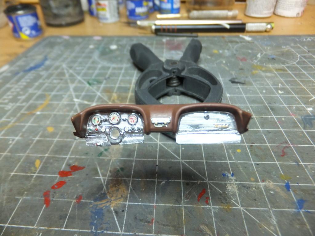 Défi montage maquette : AMT réf. 1135 1960 Ford Thunderbird 1/32 *** Terminé en pg 4 - Page 2 Dscf7338