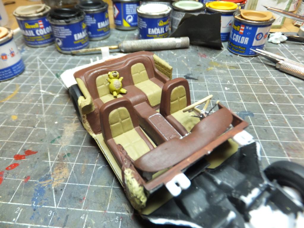 Défi montage maquette : AMT réf. 1135 1960 Ford Thunderbird 1/32 *** Terminé en pg 4 - Page 2 Dscf7357