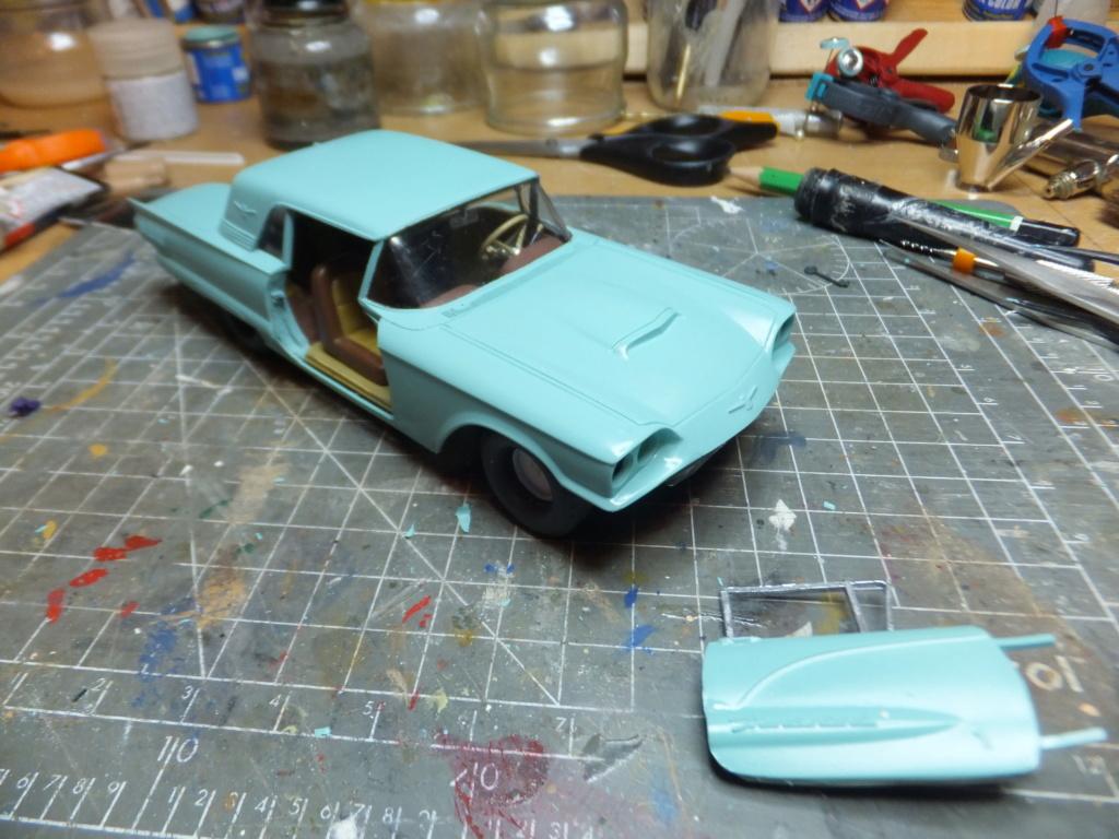 Défi montage maquette : AMT réf. 1135 1960 Ford Thunderbird 1/32 *** Terminé en pg 4 - Page 3 Dscf7359