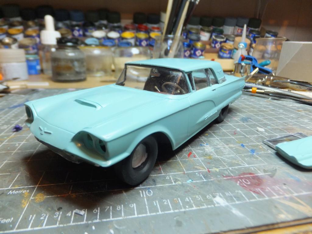 Défi montage maquette : AMT réf. 1135 1960 Ford Thunderbird 1/32 *** Terminé en pg 4 - Page 3 Dscf7361
