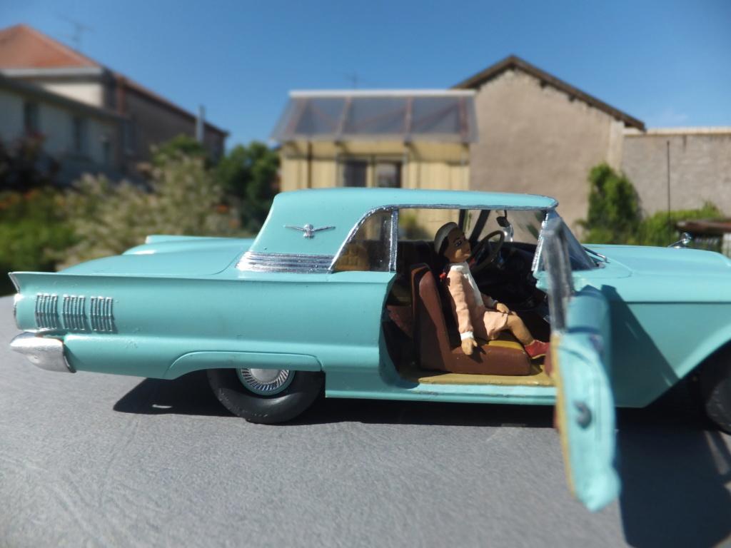 Défi montage maquette : AMT réf. 1135 1960 Ford Thunderbird 1/32 *** Terminé en pg 4 - Page 4 Dscf7413