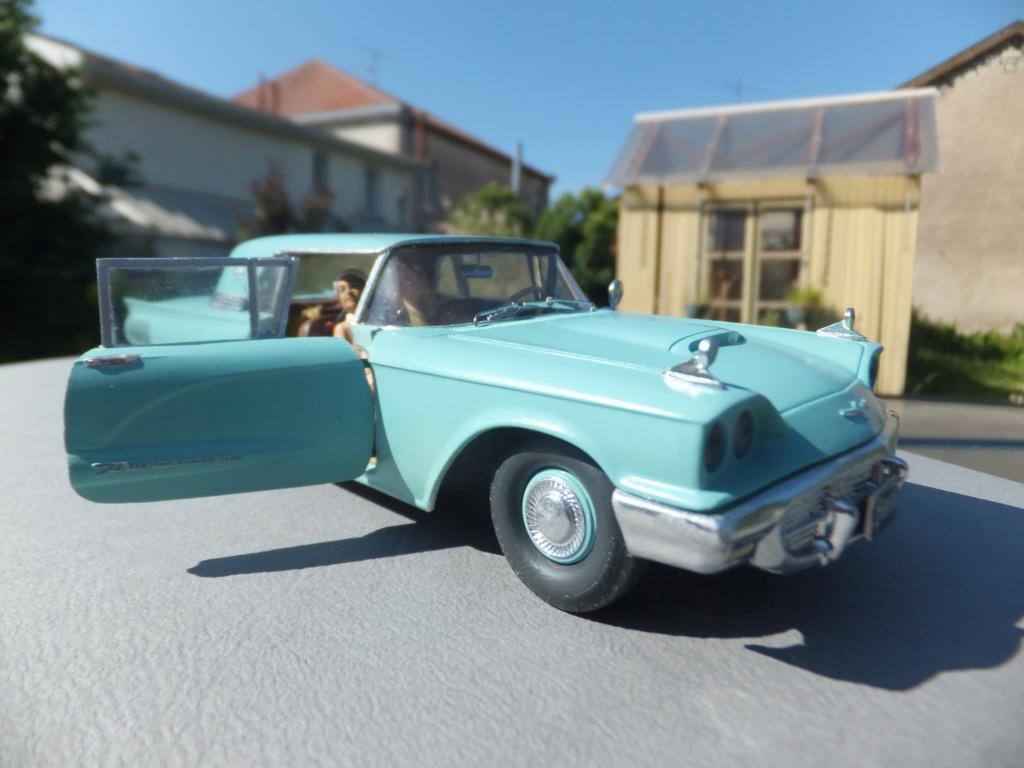 Défi montage maquette : AMT réf. 1135 1960 Ford Thunderbird 1/32 *** Terminé en pg 4 - Page 4 Dscf7414