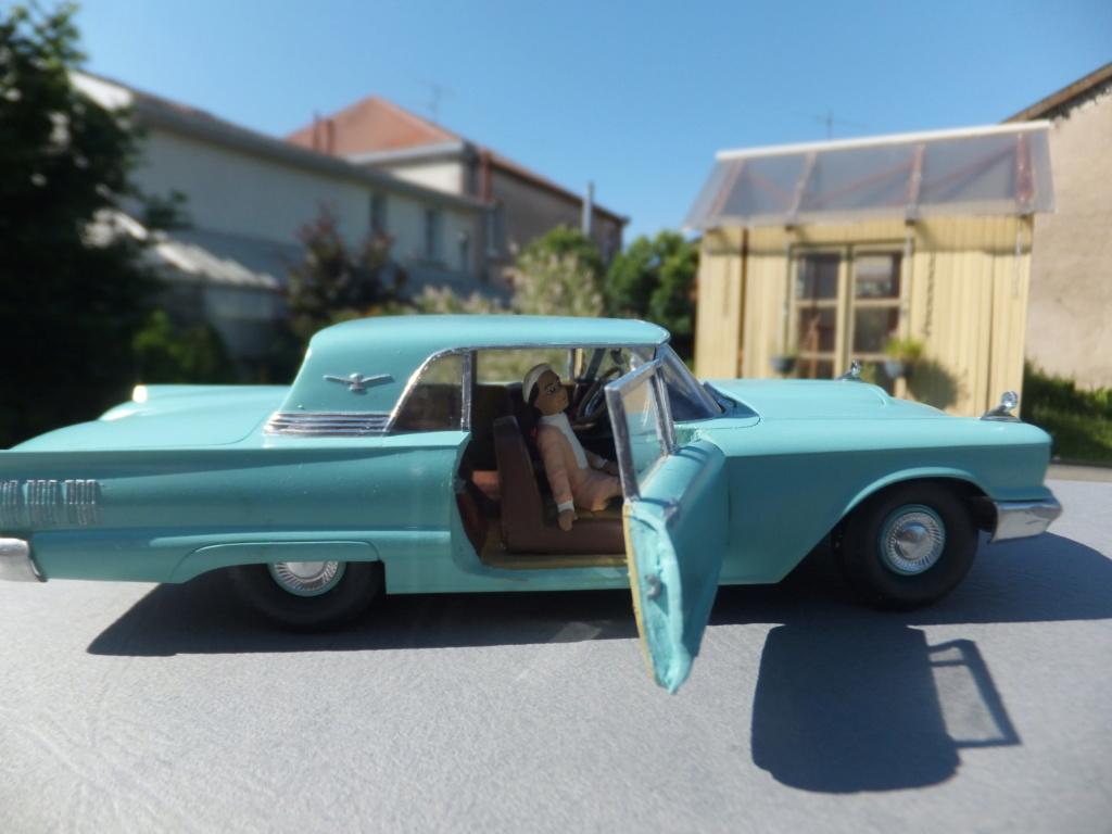 Défi montage maquette : AMT réf. 1135 1960 Ford Thunderbird 1/32 *** Terminé en pg 4 - Page 4 Dscf7415
