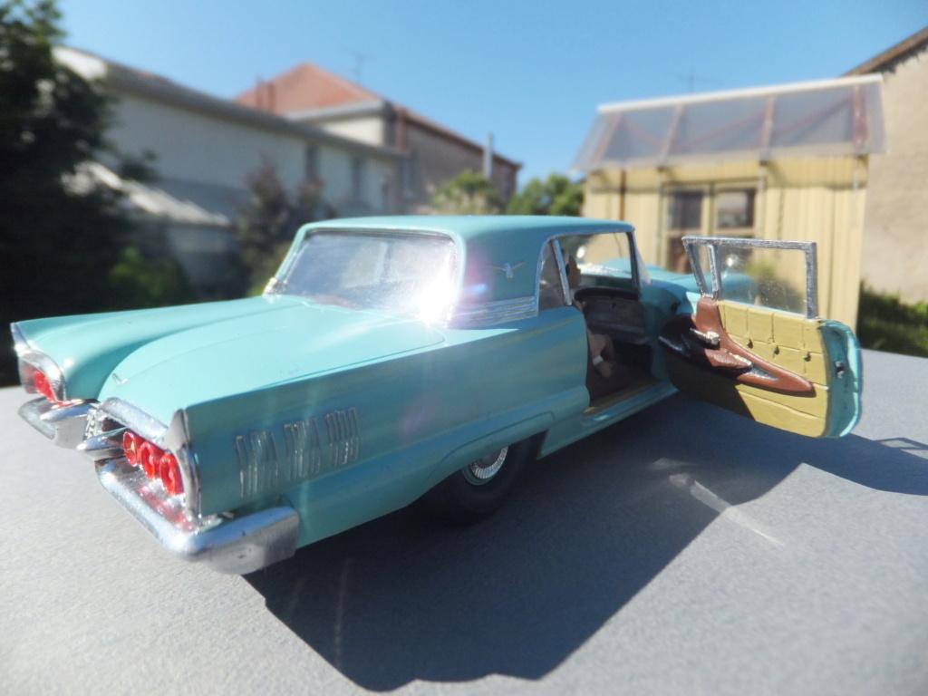 Défi montage maquette : AMT réf. 1135 1960 Ford Thunderbird 1/32 *** Terminé en pg 4 - Page 4 Dscf7416