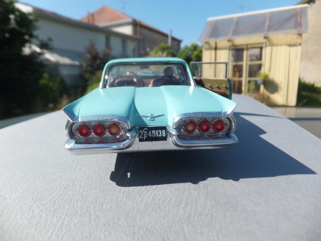 Défi montage maquette : AMT réf. 1135 1960 Ford Thunderbird 1/32 *** Terminé en pg 4 - Page 4 Dscf7417
