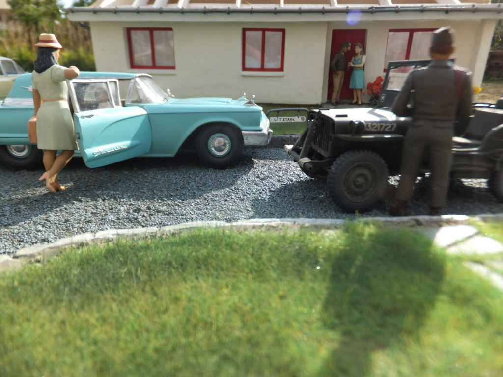 "Etain à l'heure américaine-Ford Tudor coupé 1949. 1/32[Lindberg]-jeep 1/35[Tamiya]-Europe, 1945[Masterbox3514]1/35-1960 Ford Thunderbird[AMT1135] 1/32.""FIN"" - Page 10 Dscf7433"