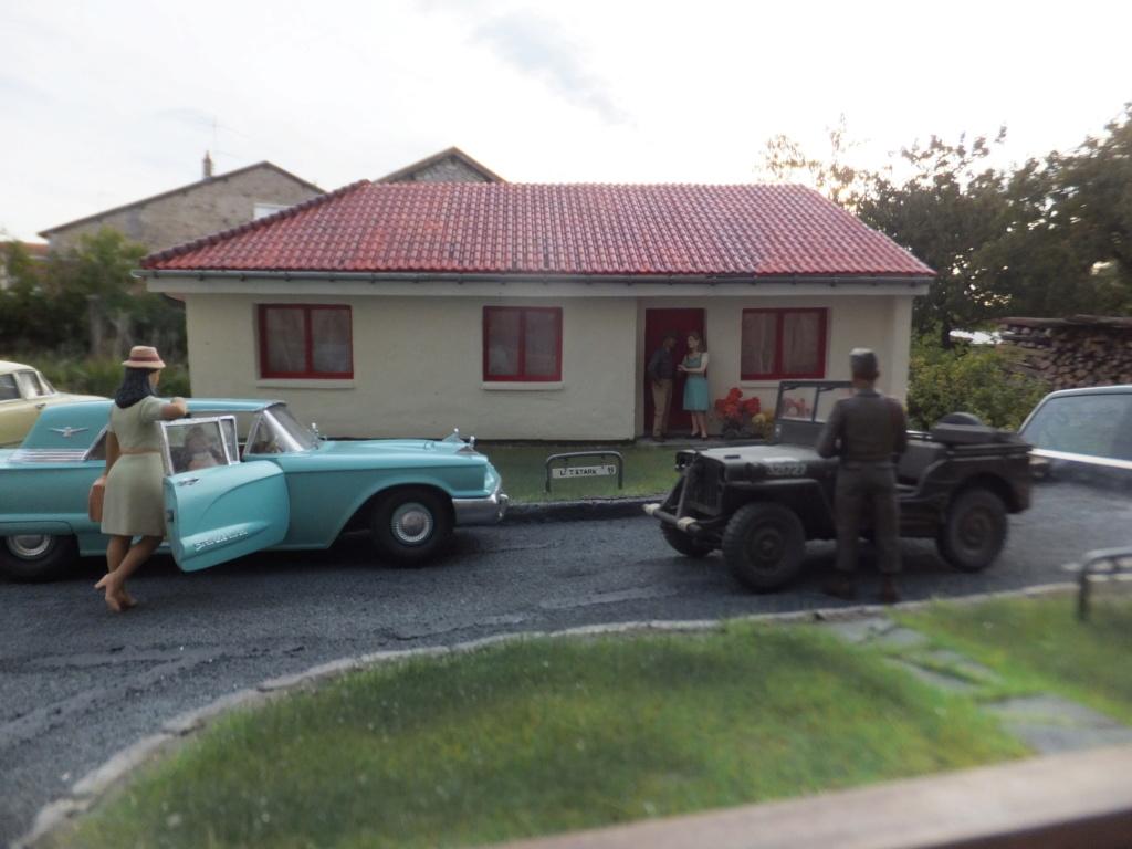 "Etain à l'heure américaine-Ford Tudor coupé 1949. 1/32[Lindberg]-jeep 1/35[Tamiya]-Europe, 1945[Masterbox3514]1/35-1960 Ford Thunderbird[AMT1135] 1/32.""FIN"" - Page 12 Dscf7627"