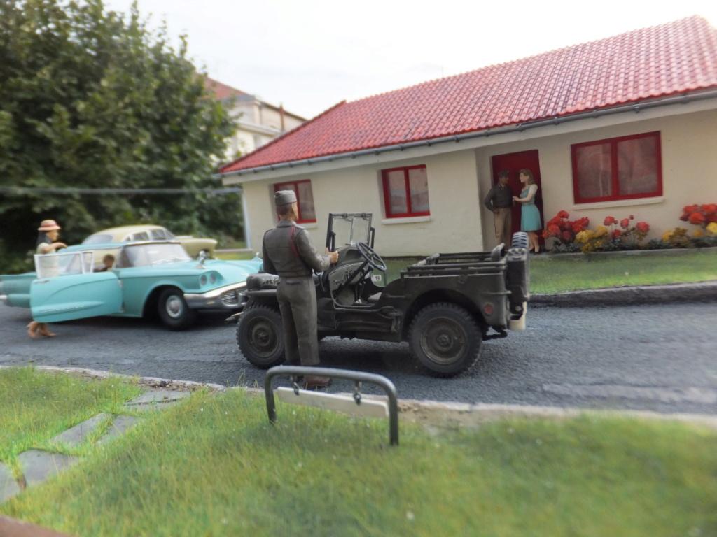 "Etain à l'heure américaine-Ford Tudor coupé 1949. 1/32[Lindberg]-jeep 1/35[Tamiya]-Europe, 1945[Masterbox3514]1/35-1960 Ford Thunderbird[AMT1135] 1/32.""FIN"" - Page 12 Dscf7628"