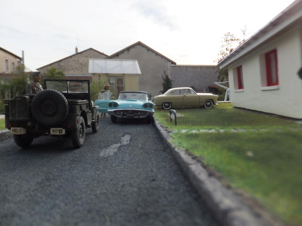 "Etain à l'heure américaine-Ford Tudor coupé 1949. 1/32[Lindberg]-jeep 1/35[Tamiya]-Europe, 1945[Masterbox3514]1/35-1960 Ford Thunderbird[AMT1135] 1/32.""FIN"" - Page 12 Dscf7630"