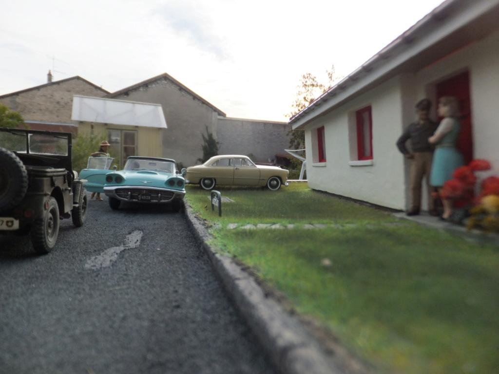 "Etain à l'heure américaine-Ford Tudor coupé 1949. 1/32[Lindberg]-jeep 1/35[Tamiya]-Europe, 1945[Masterbox3514]1/35-1960 Ford Thunderbird[AMT1135] 1/32.""FIN"" - Page 12 Dscf7631"