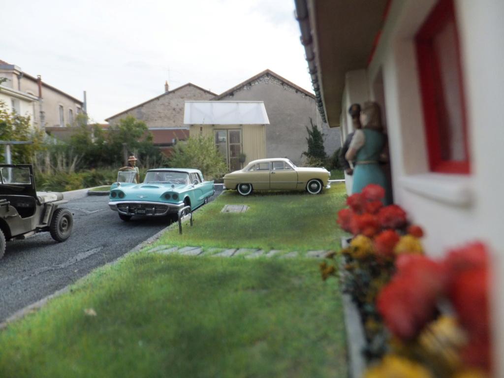 "Etain à l'heure américaine-Ford Tudor coupé 1949. 1/32[Lindberg]-jeep 1/35[Tamiya]-Europe, 1945[Masterbox3514]1/35-1960 Ford Thunderbird[AMT1135] 1/32.""FIN"" - Page 12 Dscf7632"