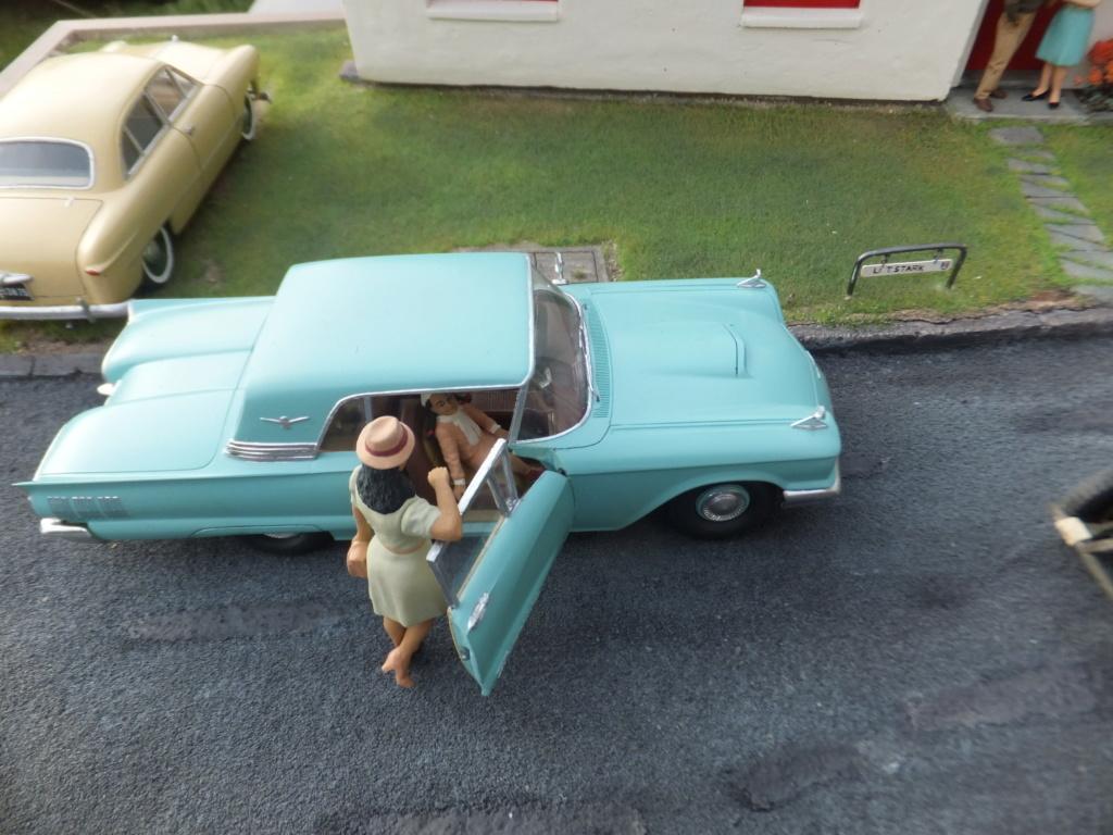 "Etain à l'heure américaine-Ford Tudor coupé 1949. 1/32[Lindberg]-jeep 1/35[Tamiya]-Europe, 1945[Masterbox3514]1/35-1960 Ford Thunderbird[AMT1135] 1/32.""FIN"" - Page 12 Dscf7636"