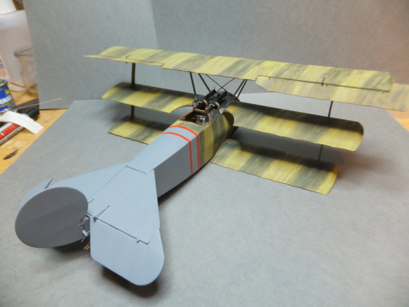 """L' oiseau blessé d'une flèche 1918 -[RODEN] Fokker DR1 1/32 (ROD 605)-[ICM] Ford t touring 1/35 (n°35667) """"FINI"""" - Page 6 Dscf8233"""