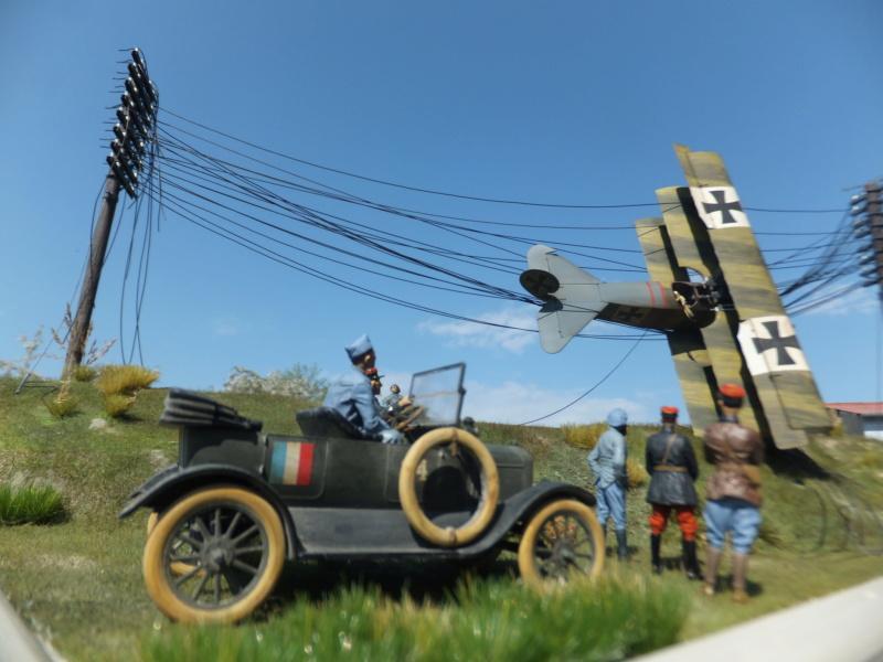 """L' oiseau blessé d'une flèche 1918 -[RODEN] Fokker DR1 1/32 (ROD 605)-[ICM] Ford t touring 1/35 (n°35667) """"FIN"""" - Page 16 Dscf8738"""