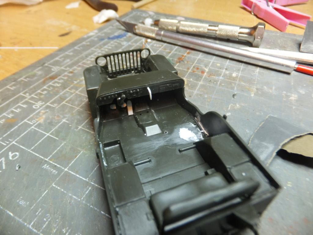 Convergence sur My Tho-Indochine 1945-[Tamiya]-35083- Half Track motar carrier M21-[Italeri]-226-Dodge WC54 ambulance_-314-Jeep willys-1/35 - Page 12 Dscf9414