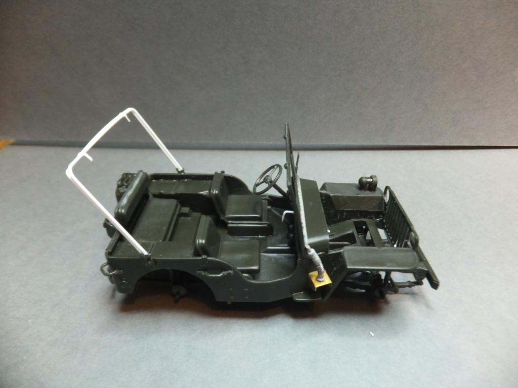 Convergence sur My Tho-Indochine 1945-[Tamiya]-35083- Half Track motar carrier M21-[Italeri]-226-Dodge WC54 ambulance_-314-Jeep willys-1/35 - Page 12 Dscf9417