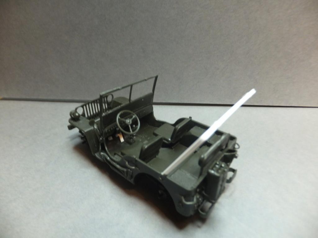 Convergence sur My Tho-Indochine 1945-[Tamiya]-35083- Half Track motar carrier M21-[Italeri]-226-Dodge WC54 ambulance_-314-Jeep willys-1/35 - Page 12 Dscf9418
