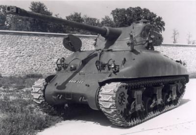 AMX 13 tourelle Chaffee (Takom 1/35°) terminé M4a1-f10