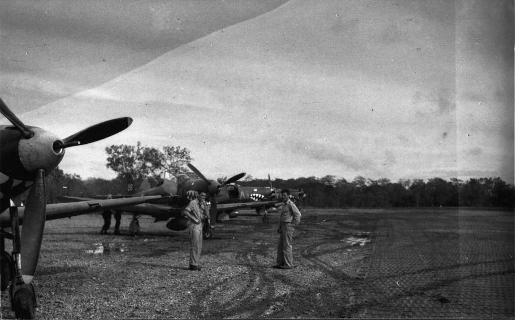 Bell P-400 Airacobra au 1/48 ( Eduard 8061 ) --> P-39 N  P-400_11