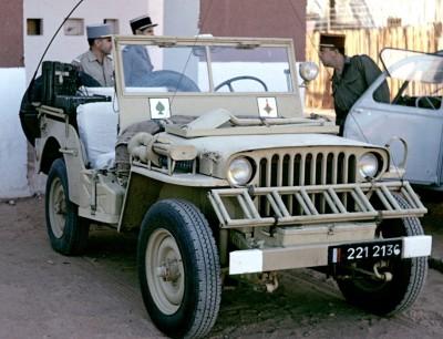 "Corvée d' eau saharienne-Légion étrangère-[tamiya] Jeep, [italeri] Dodge wc 62 1/35 Goumier ICM indigène MB ""FIN"" - Page 5 Sahara10"