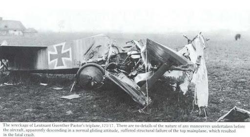 """L' oiseau blessé d'une flèche 1918 -[RODEN] Fokker DR1 1/32 (ROD 605)-[ICM] Ford t touring 1/35 (n°35667) """"FIN"""" - Page 8 Uf10"""