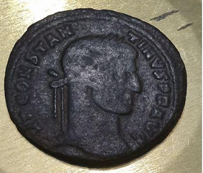 AE3 de Constantino I. CONSTANTINI AVG / VOTIS XX. Arlés Captur12