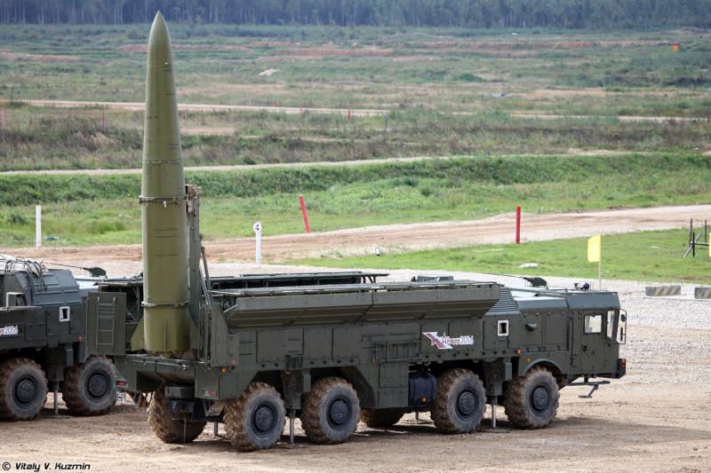 "Iskander-M ""SS-26 Stone"" 1/72 ( Zvezda 5028 ) *** Terminé en pg 3 Army2011"