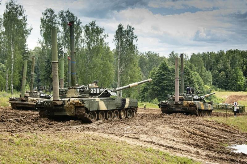 MAZ-7410 & Chmzap-9990 w/ T-80BV MBT 1/72 (Modelcollect UA 72153) D-4lxu10