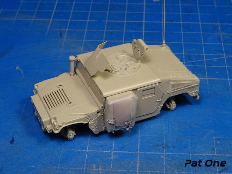 Us.modern M1114 Up-armored HMMWV 1/72 ( T-model TM-7201 )*** Terminé en pg 2 Dsc01314