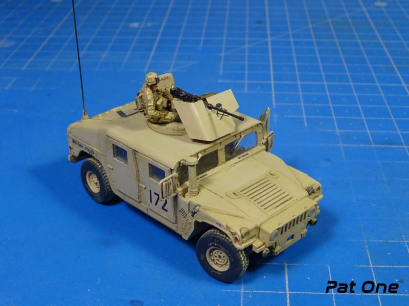 Us.modern M1114 Up-armored HMMWV 1/72 ( T-model TM-7201 )*** Terminé en pg 2 - Page 2 Dsc01410