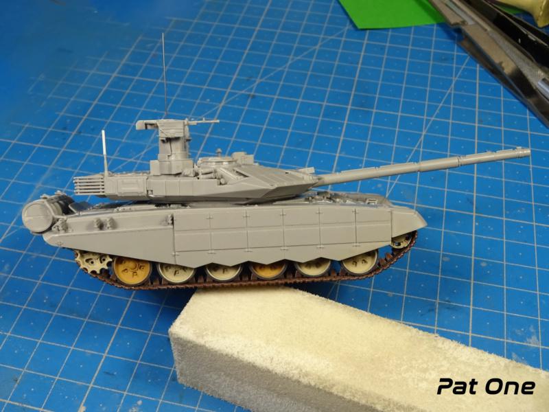 T90MS Char de combat russe 1/72 ( Zvezda 5065 ) - Page 2 Dsc01756
