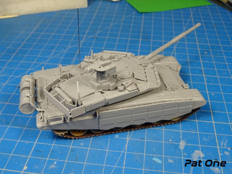 T90MS Char de combat russe 1/72 ( Zvezda 5065 ) - Page 2 Dsc01759
