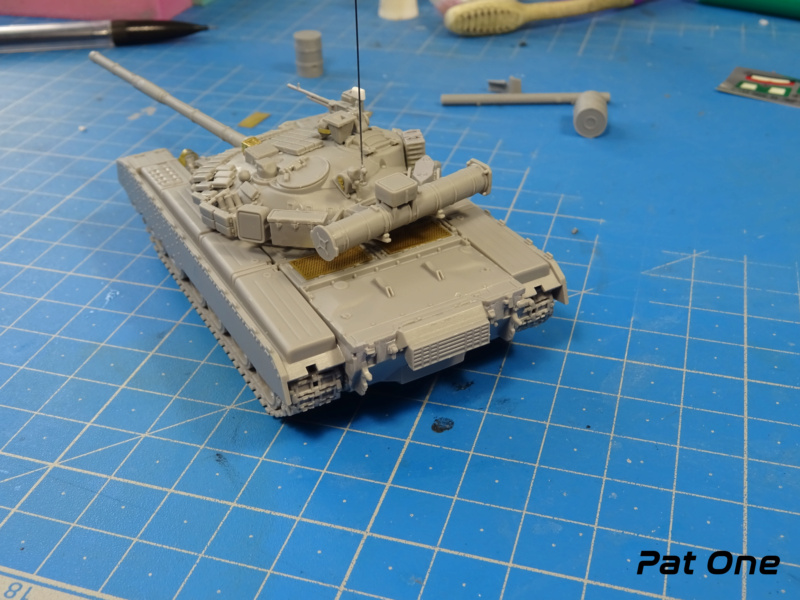 MAZ-7410 & Chmzap-9990 w/ T-80BV MBT 1/72 (Modelcollect UA 72153) Dsc01832