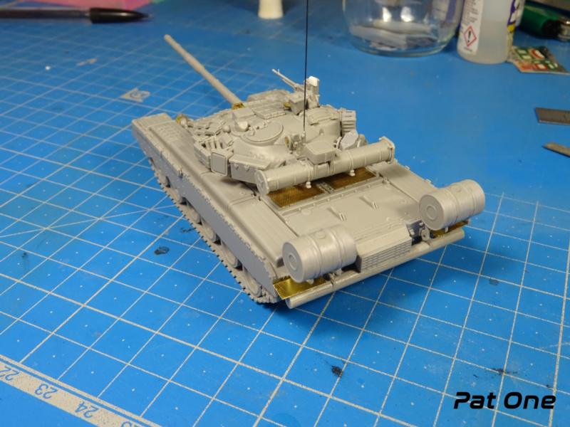 MAZ-7410 & Chmzap-9990 w/ T-80BV MBT 1/72 (Modelcollect UA 72153) Dsc01833