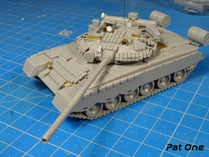 MAZ-7410 & Chmzap-9990 w/ T-80BV MBT 1/72 (Modelcollect UA 72153) Dsc01837