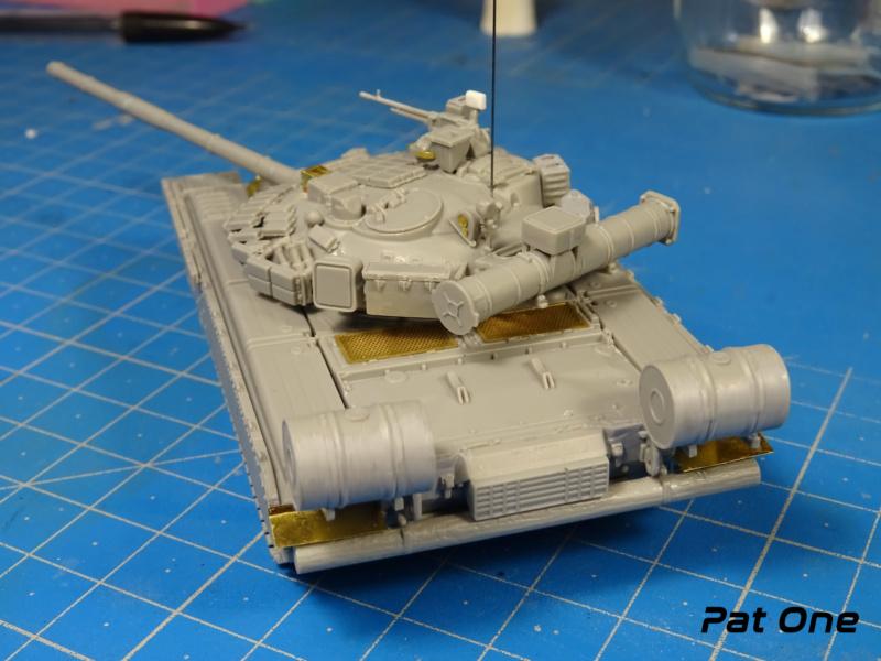 MAZ-7410 & Chmzap-9990 w/ T-80BV MBT 1/72 (Modelcollect UA 72153) Dsc01838