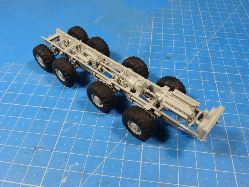 MAZ-7410 & Chmzap-9990 w/ T-80BV MBT 1/72 (Modelcollect UA 72153) Dsc01841