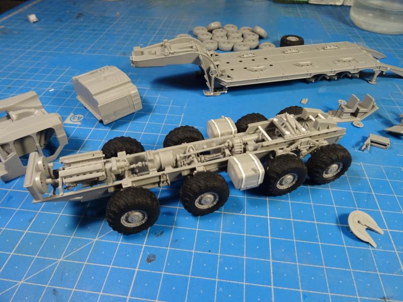 MAZ-7410 & Chmzap-9990 w/ T-80BV MBT 1/72 (Modelcollect UA 72153) Dsc01844