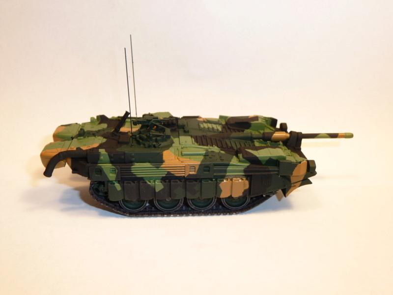 Strv 103C MBT 1/72 ( Trumpeter 07298 ) *** Terminé en pg 4 - Page 2 P1260021