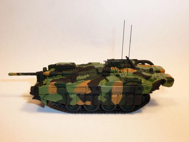 Strv 103C MBT 1/72 ( Trumpeter 07298 ) *** Terminé en pg 4 - Page 2 P1260022