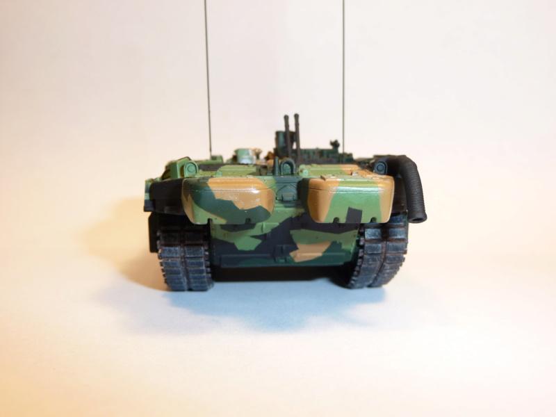 Strv 103C MBT 1/72 ( Trumpeter 07298 ) *** Terminé en pg 4 - Page 2 P1260023