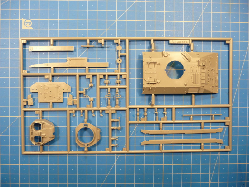 Warrior MCV with add-on armour 1/72 ( Revell 03144 ) *** Terminé en pg 2 P1260216
