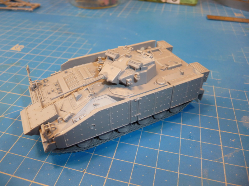 Warrior MCV with add-on armour 1/72 ( Revell 03144 ) *** Terminé en pg 2 P1260231