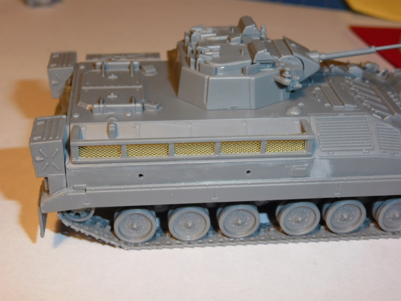 Warrior MCV with add-on armour 1/72 ( Revell 03144 ) *** Terminé en pg 2 P1260318