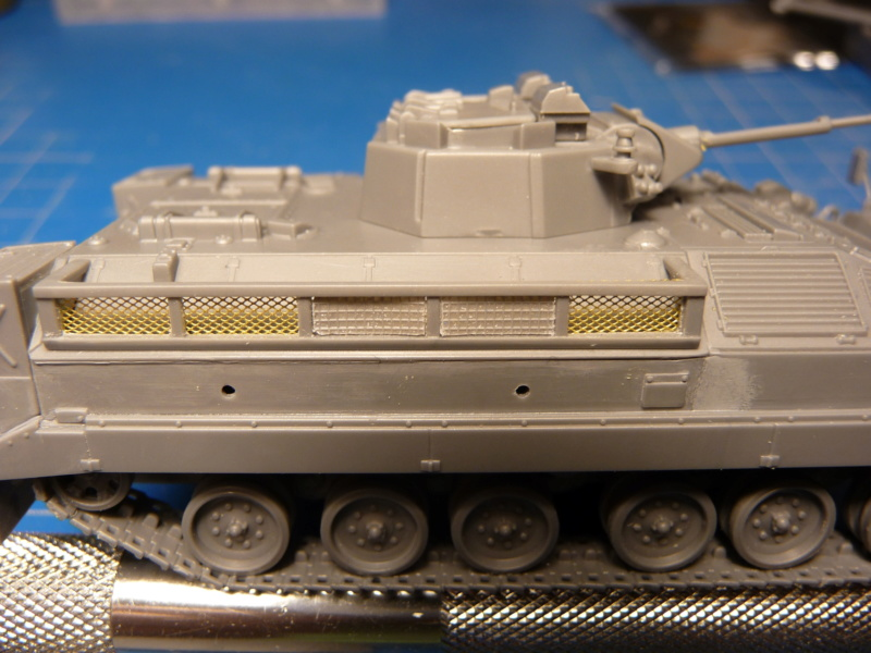 Warrior MCV with add-on armour 1/72 ( Revell 03144 ) *** Terminé en pg 2 P1260319