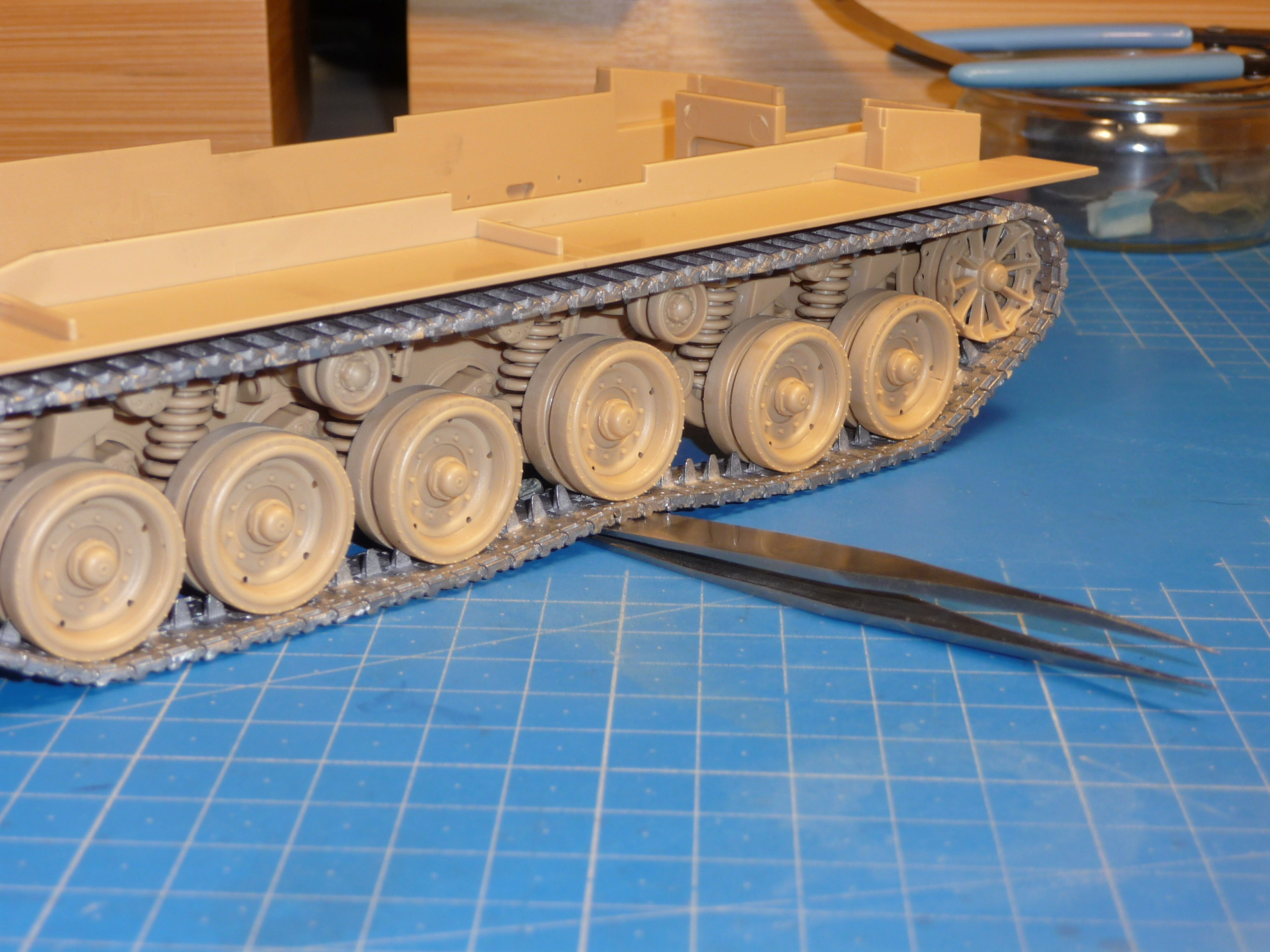 Merkava Mk.4M w/Trophy Active Protection System 1/35 ( Meng TS-036 ) - Page 2 P1260716