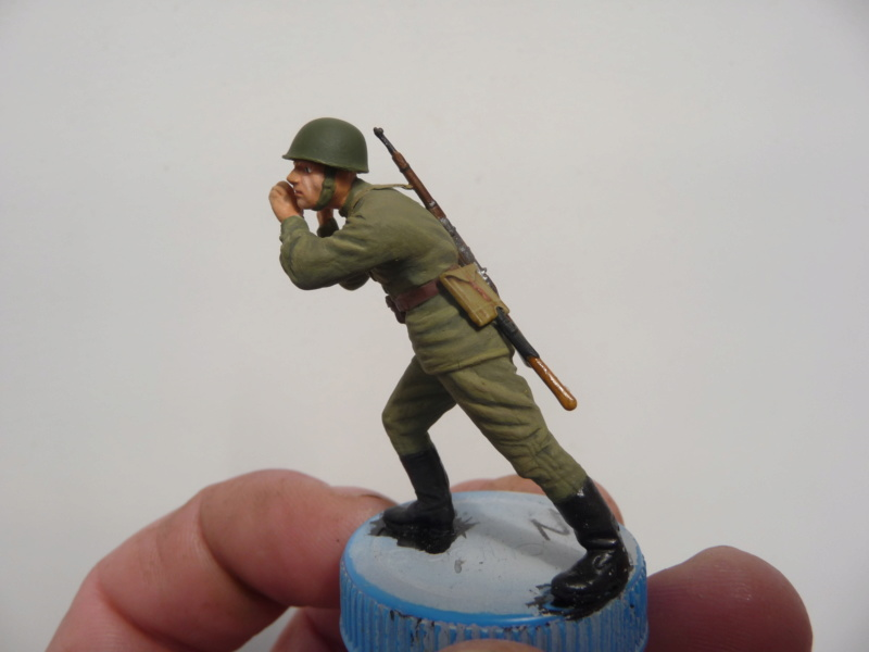 Équipage d'artillerie soviétique en manœuvre (MiniArt 1/35)  - Page 3 P1280320