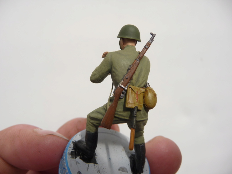 Équipage d'artillerie soviétique en manœuvre (MiniArt 1/35)  - Page 3 P1280324